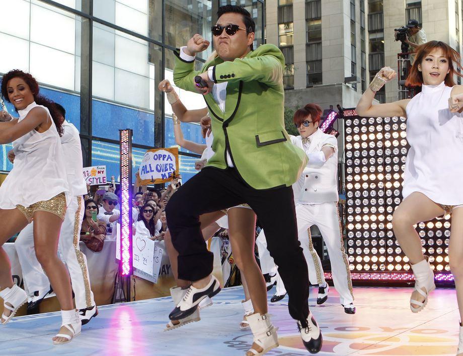 O rapper Psy no clipe do hit Gangnam Style