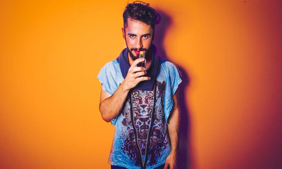 Romero Ferro, cantor