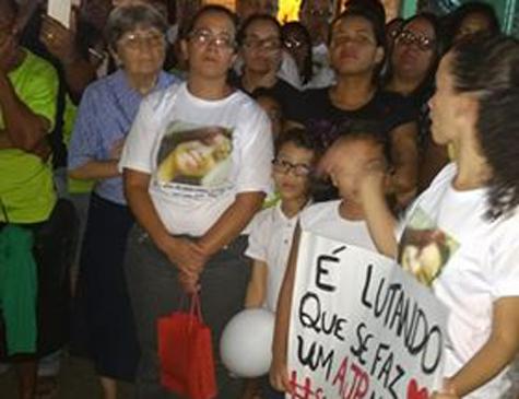 Manifestação pede fiscalização de trânsito no Alto José do Pinho, Zona Norte do Recife