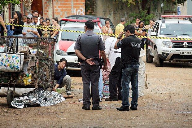Homem mata pai, irmã, vizinho, atira em mais dois e se mata