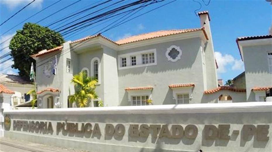 Casa da Defensoria Pública do estado de Pernambuco, na rua Marques Amorim