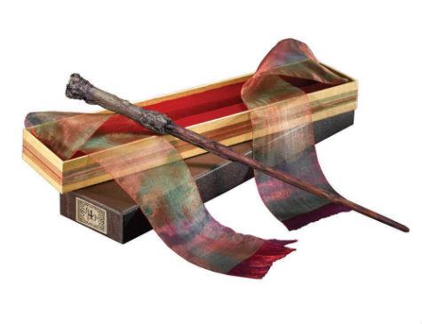 Réplica de luxo da varinha de Harry Potter é um dos itens disponíveis para venda