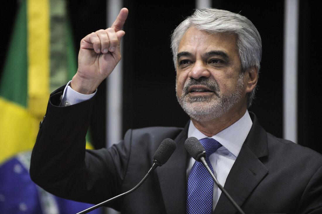 Senador Humberto Costa ( PT )