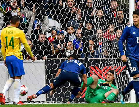 Cássio entrou no lugar de Alisson e tomou o único gol do Japão
