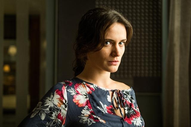 Clara, personagem de Bianca Bin em 'O Outro Lado do Paraíso'