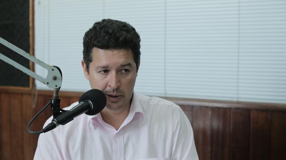 Betinho Gomes participou do programa Folha Política, da Rádio Folha 96,7 FM