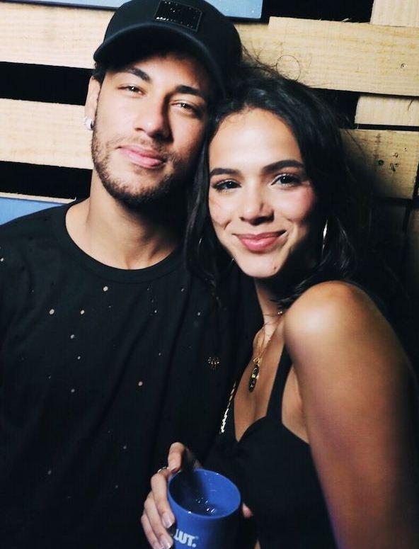 Aniversário de Neymar e Carnaval garantidos pelo casal