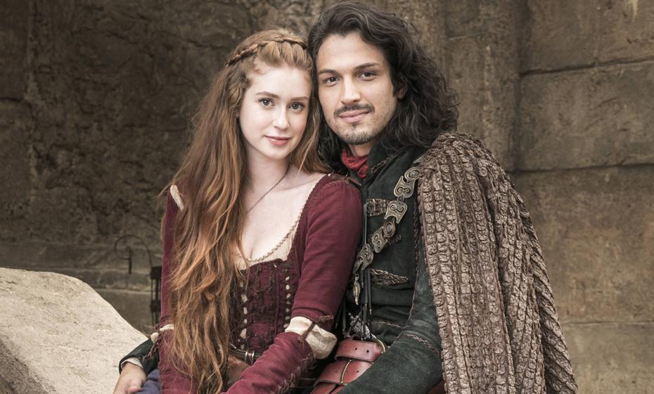 Amália e Afonso, personagens de Marina Ruy Barbosa e Rômulo Estrela em 'Deus Salve o Rei'
