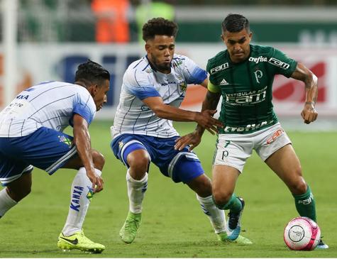 Dudu em ação pelo Campeonato Paulista