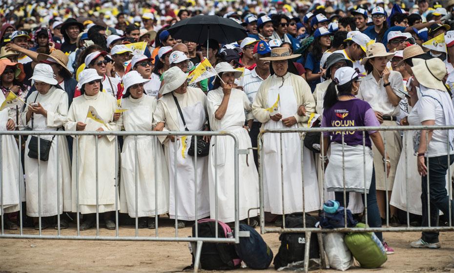Freiras recebem o Papa Francisco no Peru