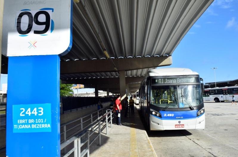 BRT no Terminal Integrado Joana Bezerra