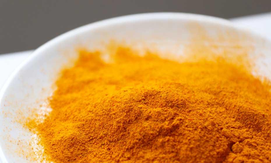 O tom amarelo não nega: é potente corante alimentar