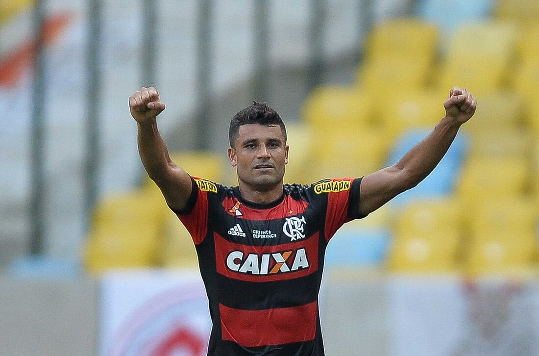 Ederson, meia do Flamengo