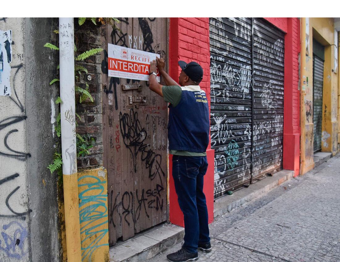 Fiscalização interditou dez imóveis no Recife Antigo