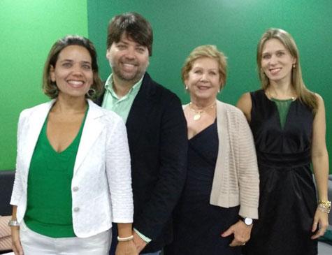 Elza da Fonte e os filhos Carol, Ruy Maurício e Cristiana da Fonte