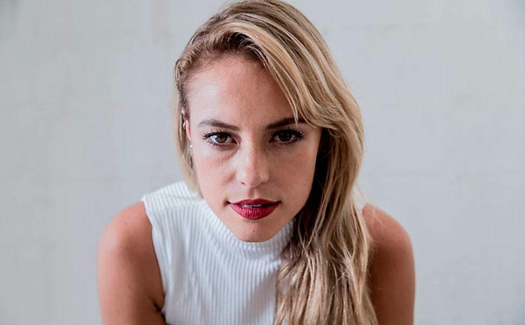 Paolla Oliveira descobre quem vazou suas fotos nuas em set de gravação