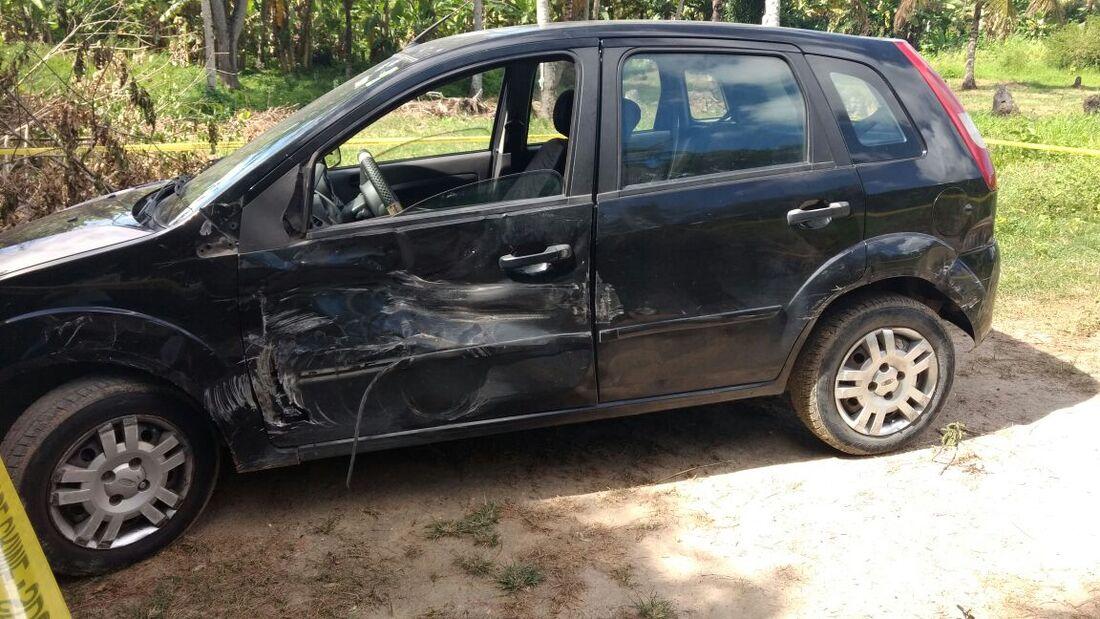 Carro do capitão reformado foi atingido por caminhão