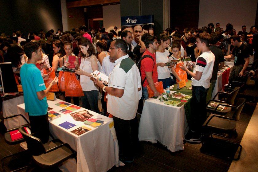 As informações sobre a iniciativa fazem parte da programação da feira promovida pelo  Consulado