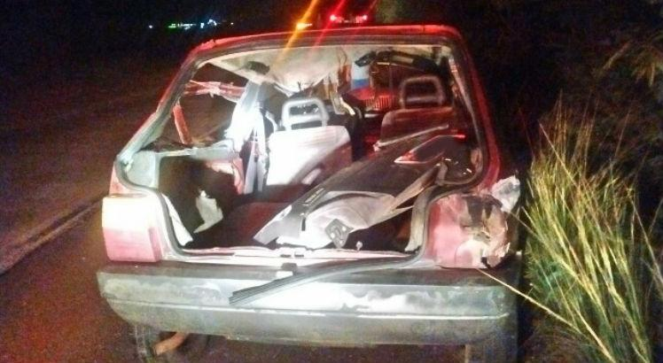 Carro que colidiu frontalmente na Serra das Russas