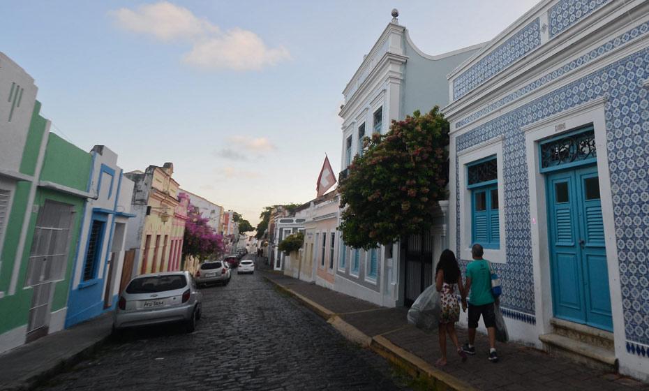 Consulado Honorário da Suíça em Pernambuco fica em casa histórica na rua de São Bento, 301, em Olinda