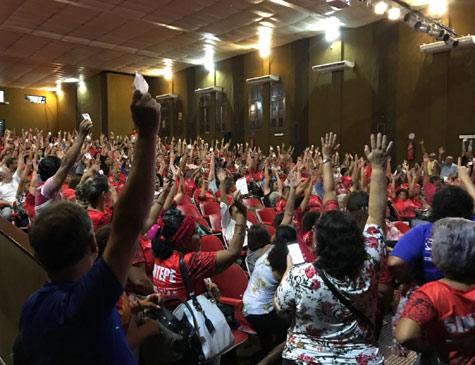 Assembleia de trabalhadores na Educação de Pernambuco
