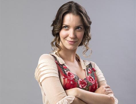 Nathália Dill é Elisabeta em 'Orgulho e Paixão'
