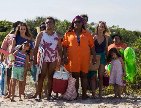 Colegas de trabalho decidem passar feriadão juntos na praia e caem numa roubada