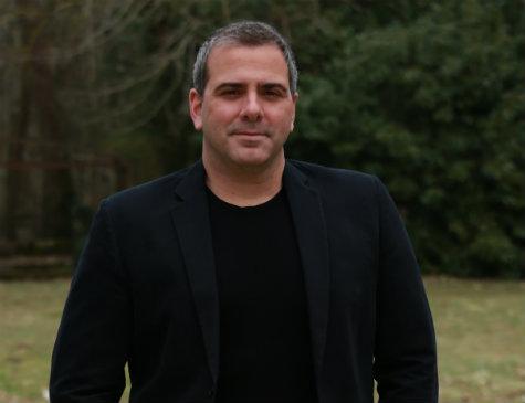Escritor e jornalista Rodrigo Alvarez