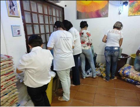 Grupo espírita distribui cestas básicas mensalmente