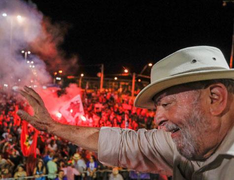 Lula em caravana em São Leopoldo, no RS