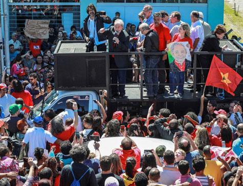 Lula em caravana no Rio Grande do Sul