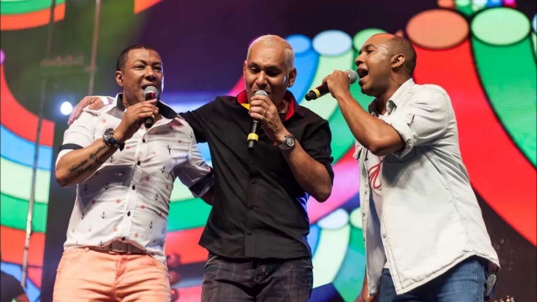 O grupo promete os sucessos que marcaram os anos 90 para o show no Recife