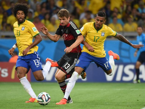 Muller foi o autor do primeiro gol diante da Seleção na Copa de 2014