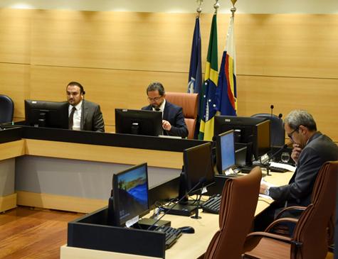Decisão de suspender concursos foi tomada pela Primeira Câmara do TCE