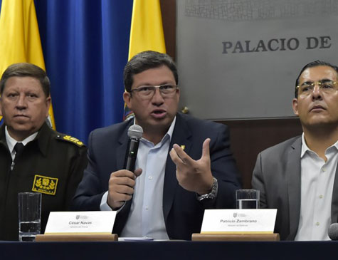 Ministro do Interior, César Navas, em coletiva de imprensa