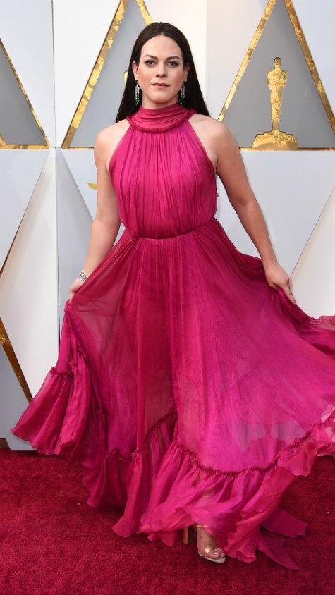 Daniela Vega no tapete vermelho do Oscar 2018