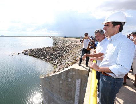 Evento de abertura das comportas do reservatório Serra do Livramento