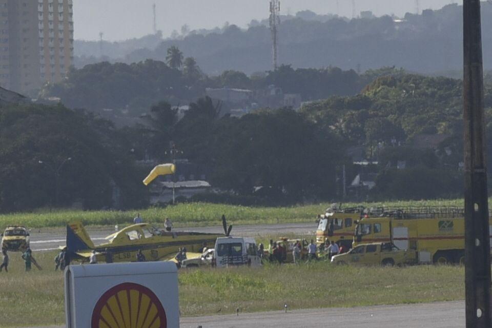 Avião de pequeno porte saiu da pista nesta quinta