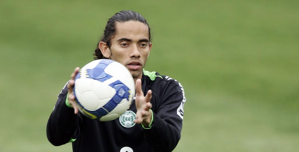 Após passagem no Santa em 2007, Carlinhos Paraíba jogou no Coritiba em 2008 e 2009