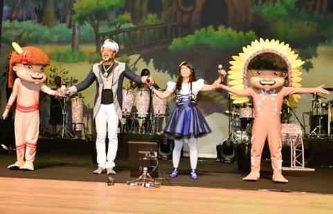 Parceria entre Celpe, Unicef e o músico Carlinhos Brown