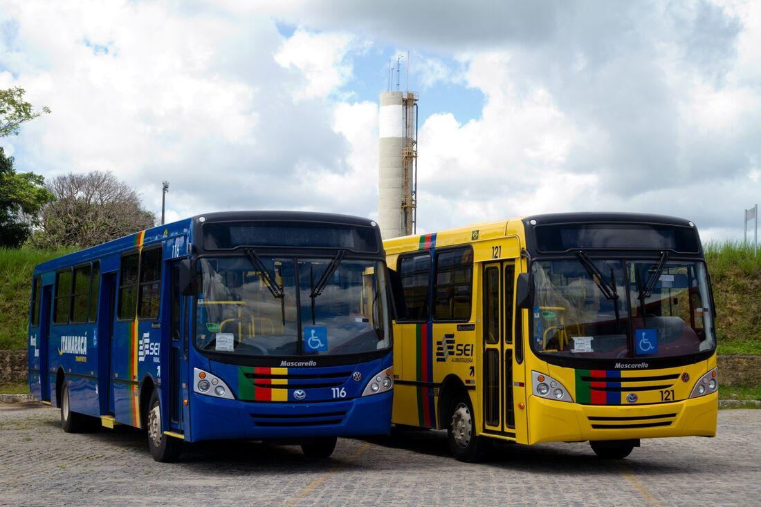 Ônibus das empresas Itamaracá