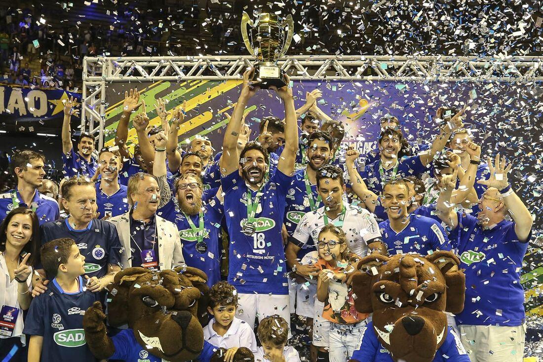 Cruzeiro bateu o Sport por 2x0, neste domingo (13).