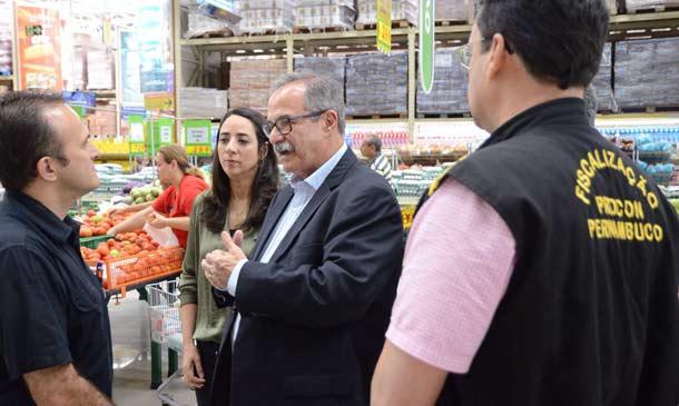 Fiscalização em supermercados