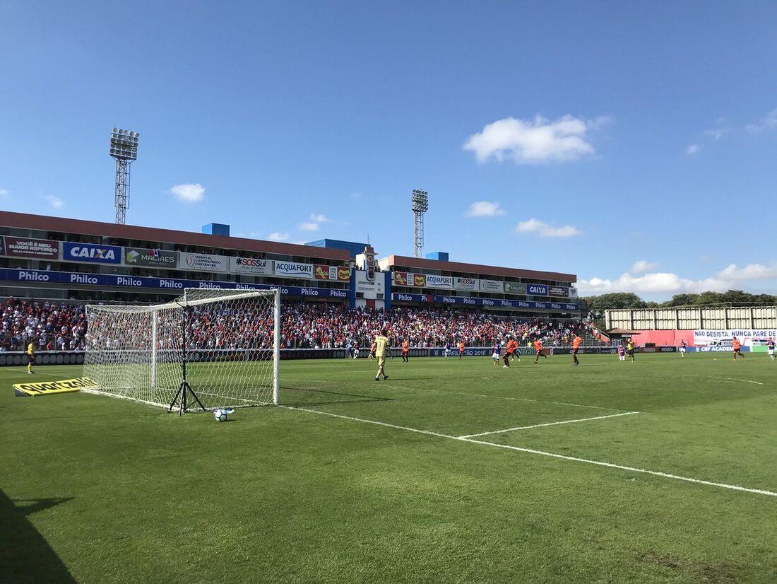 Paraná e Atlético/PR ficaram no 0x0 e se complicaram no Brasileirão.