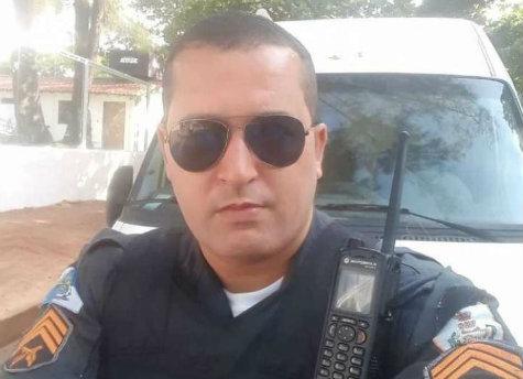 Sargento Príncipe, de 38 anos, foi um dos policiais encontrados na viatura