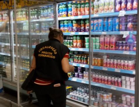 Procon-PE fiscaliza supermercados