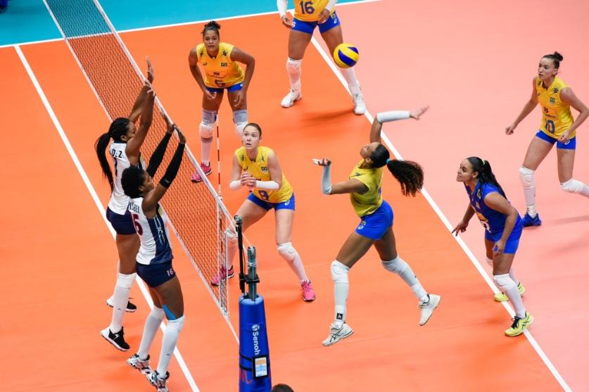Brasil venceu as dominicanas por 3 sets a 0