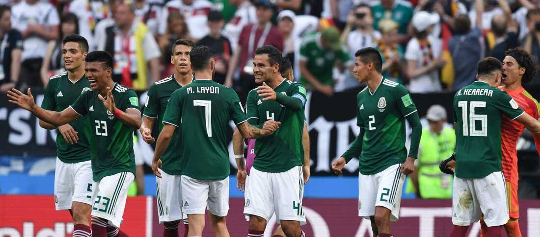 Um empate é o bastante para mexicanos passarem em primeiro lugar