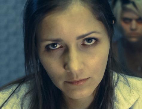 Cena do filme 'Black wake', com Nana Gouvêa