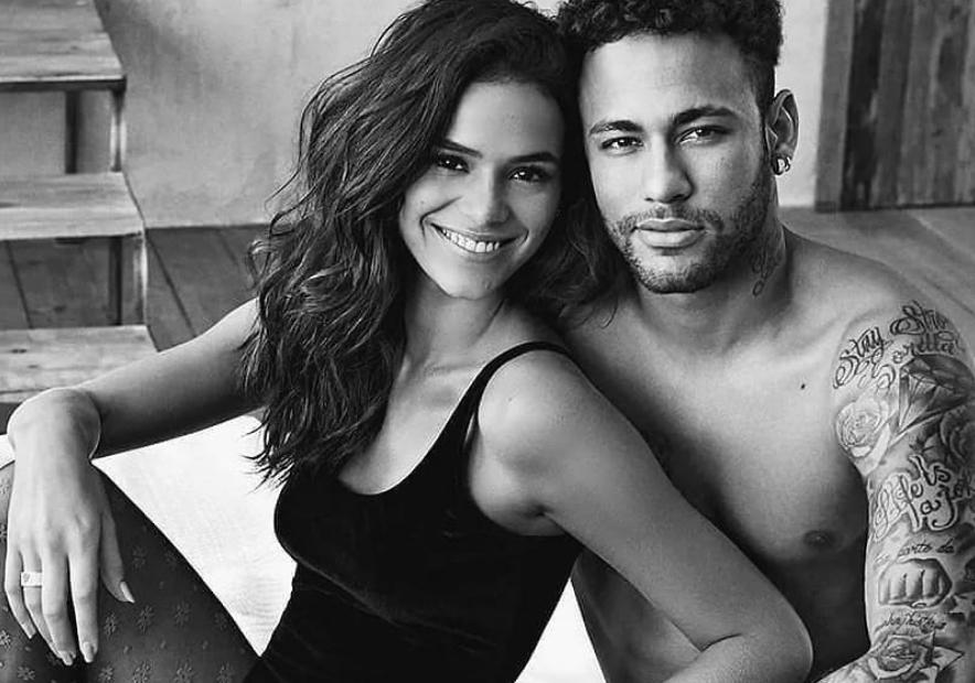 Bruna Marquezine e Neymar posaram juntos em campanha do Dia dos Namorados